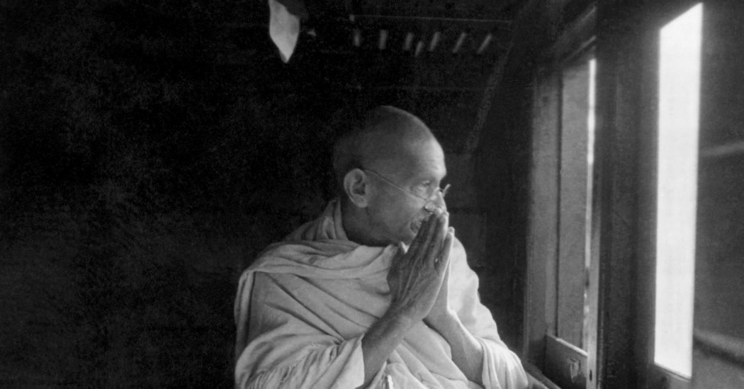 Did Vandals Steal Gandhi's Ashes From an Indian Memorial?
