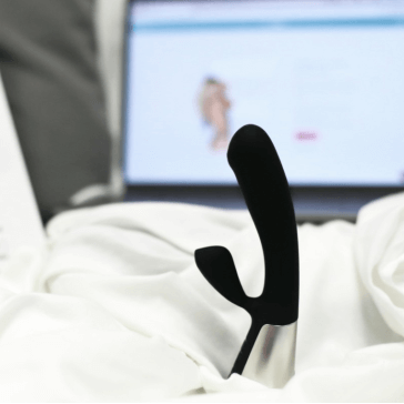 4 Ways Dildos Are Embracing the Latest Sex Technologies